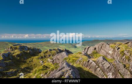 View towards Ballydonegan Bay and the open Atlantic Ocean near Allihies, Beara Peninsula, West,Cork, Ireland - Stock Image