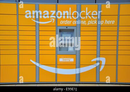Amazon Locker, pick-up point, Bullring Shopping Centre, Birmingham, West Midlands, England, UK - Stock Image