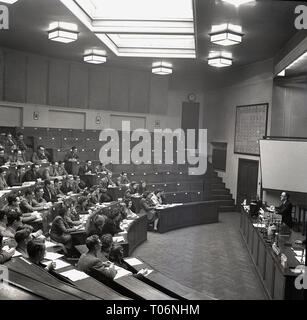 1950s, Leeds University, lecture hall - Stock Image