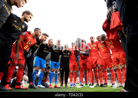 Belgium's Romelu Lukaku speaks to his team-mates before the UEFA Euro 2020 Qualifying, Group I match at the King Baudouin Stadium, Brussels. - Stock Image