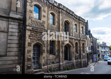 The Ale and Porters store built by the Spencers brewery in 1884 in the town of Bradford on Avon - Stock Image