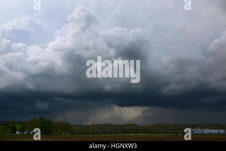 Thunder storm over farm fields Ohio - Stock Image