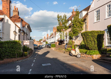 Street in Sonning on Thames, Berkshire, England, GB, UK - Stock Image