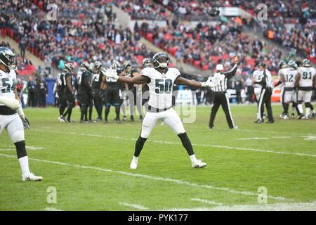 London, UK. 28 October 2018.  Philadelphia Eagles Linebacker Paul Worrilow (50)   at the Eagles at Jaguars - credit Glamourstock Credit: glamourstock/Alamy Live News - Stock Image