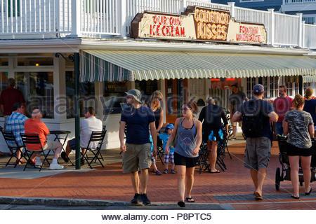 The Goldenrod, maker of salt water taffy, York Beach, Maine, USA - Stock Image