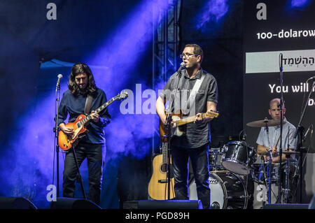 Warsaw, Poland, 25th Aug, 2018: The nine-day 15th Jewish Culture Festival 'Singer's Warsaw' takes place in the Polish capital. The first day of this event was dedicated to Wladyslaw Szlengel, the poet of the Warsaw Ghetto and Walicow Street in the former Ghetto area. El Hameshorer, an Israeli rock band, presents the poems by Szlengel. Credit: dario photography/Alamy Live News. - Stock Image