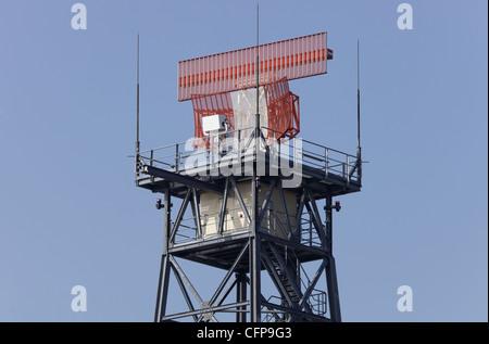 Radar tower at Heathrow airport - Stock Image