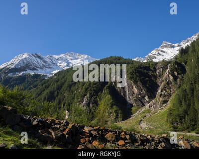 Mountain range view - Stock Image