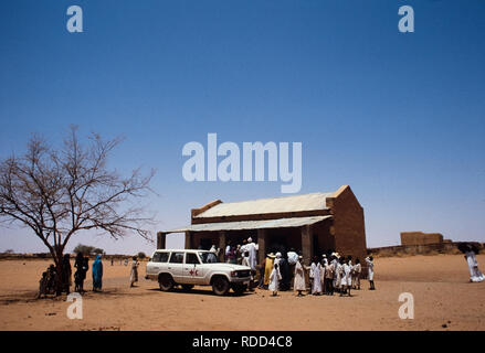 Sudan, Africa during the famine of 1985 Mawashe refugee camp, Darfur - Stock Image