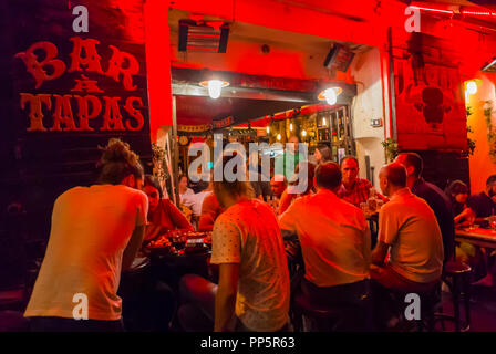 Aix-en-Provence, FRANCE, People Sharing Meals in Local French Restaurant,Bar à Tapas - Stock Image