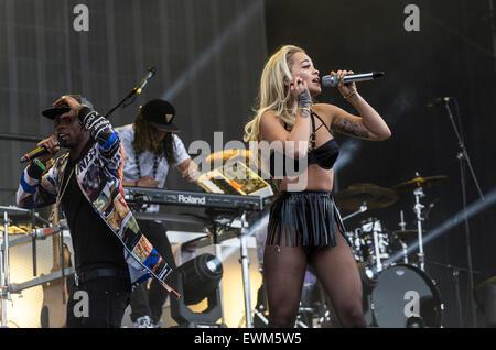 London, UK, 28 June 2015. Rita Ora Live Performance at Wireless Festival, Finsbury Park  Credit:  Robert Stainforth/Alamy - Stock Image