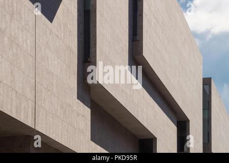 The Universita Luigi Bocconi University School of Economics building designed by Irish architecture office Grafton Architects (Farrell & Mc Namara) - Stock Image