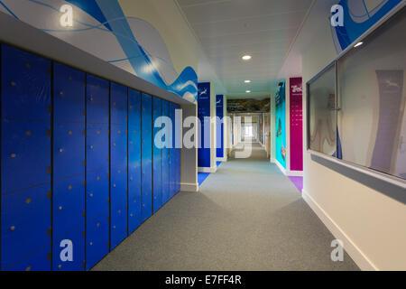 Pupils lockers in school corridor at Park Community School. - Stock Image