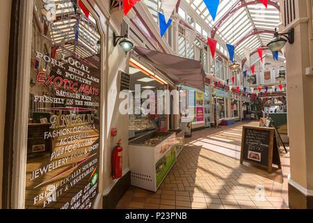 Queens Arcade in Hastings, East Sussex, England , UK - Stock Image