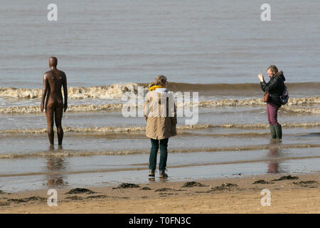 Crosby, Merseyside. 20th March, 2019. Warm hazy spring day at the coast. Credit: MWI/AlamyLiveNews - Stock Image