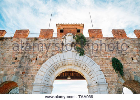 Porta Nuova Pisa, Leaning Tower gate in Italy - Stock Image