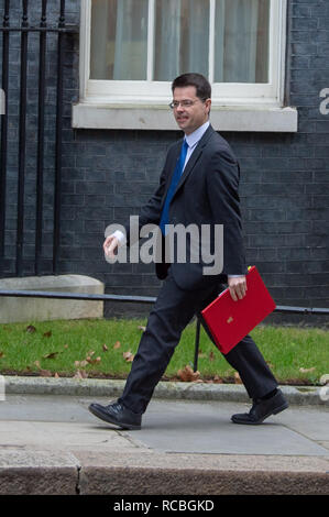 London, United Kingdom. 15 January 2019. James Brokenshire, Secretary of State for Housing, Communities and Local Government arrives at 10 Downing Street for the weekly cabinet meeting ahead of the critical Brexit vote. Credit: Peter Manning/Alamy Live News - Stock Image