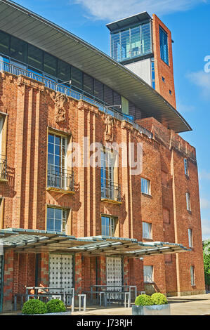 Stratford upon Avon and the Royal Shakespeare Theatre building façade is the principal theatre for William - Stock Image