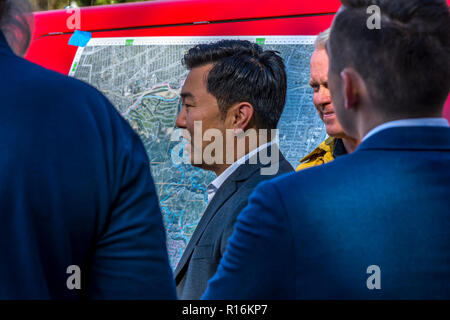 Los Angeles, California, USA. 9th Nov, 2018. Los Angeles Councilman David Ryu at the briefing for the Griffith Park brush fire. Credit: Chester Brown/Alamy Live News - Stock Image