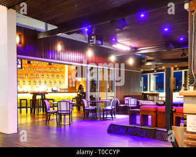 Chic seafront restaurant Salt House in the evening, Cairns, Far North Queensland, FNQ, QLD, Australia - Stock Image