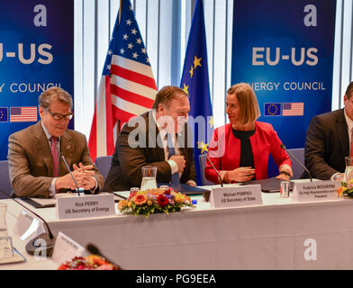 U.S. Secretary of State Michael R. Pompeo chats with U.S. Secretary of Energy Rick Perry and U.S. Representative to the European Union Federica Mogherini at the United States EU Energy Council meeting in Brussels, Belgium on July 12, 2018. - Stock Image