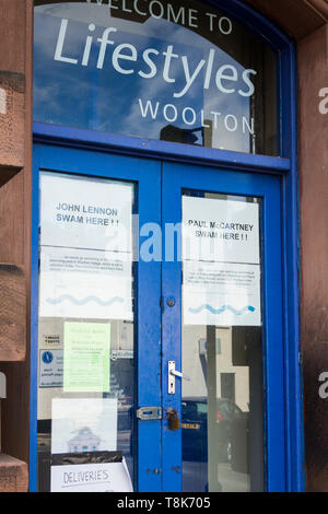 Entrance to Woolton Baths, Quarry Street South, Woolton Liverpool. The late Victorian swimming baths was built in 1893 and closed in 2010. - Stock Image