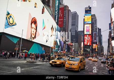 Times Square's Biggest and Most Expensive Digital Billboard - Stock Image