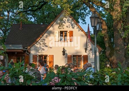 Petersbecks beer cellar and garden Höchstadt, Franconia, Bavaria, Germany, - Stock Image