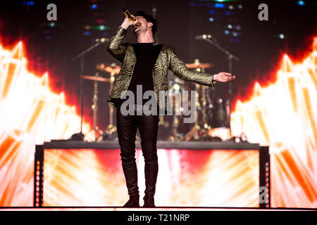 London, UK. 29th March 2019. Panic At The Disco! (Brendon Urie) Live at The 02 Arena, Credit: Tom Rose/Alamy Live News - Stock Image