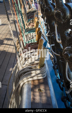 Detail of secured lines on the tall ship Mir from Russia at the Tall Ships Race, Lisbon - Stock Image