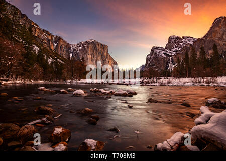 Yosemite Valley is a glacial valley in the western Sierra Nevada mountains of California's Yosemite National Park, carved out by the Merced River. The - Stock Image