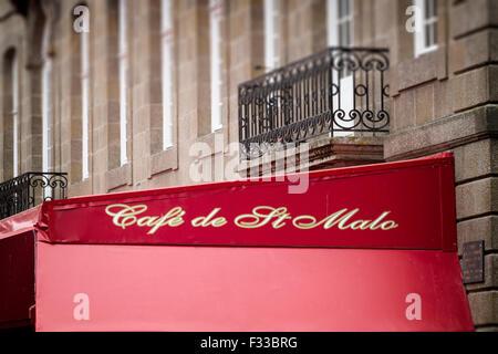 French cafe, cafe de Saint-Malo Brittany (Bretagne) France. - Stock Image