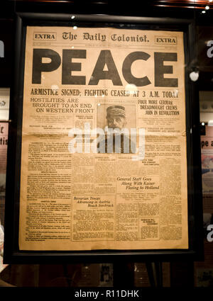 Front page news announcing Peace, an end to WWI, in a Victoria, BC, Canada newspaper, November 11, 1918. - Stock Image