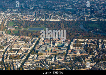 Aerial View of Hyde Park, Kensington Palace and Knightsbridge, London from the south. - Stock Image