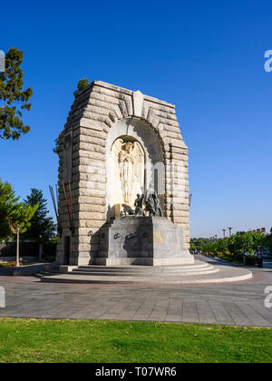 The National War Memorial is a monument in North Terrace, Adelaide, South Australia, commemorating those who served in the First World War. - Stock Image