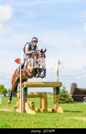 Rockingham Castle, Corby, UK. 21st May, 2017. The New Zealand rider Dan Jocelyn and his horse Fjury clear a narrow - Stock Image