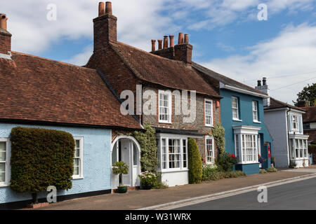 A row of traditional English cottages in an old English village - Stock Image