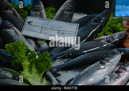 Selling fish at the Mercato de realto - Stock Image