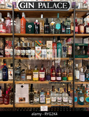 A Gin Palace - A large collection of speciality, craft and bathtub gins. - Stock Image