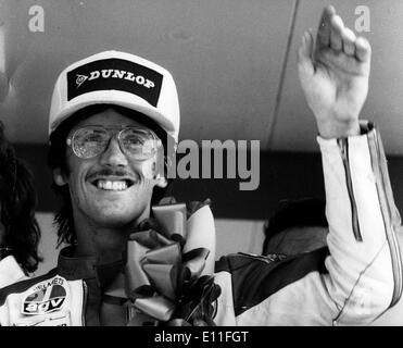 Jul 12, 1977; Kent, England, UK; Motorcycle racer STEVE BAKER gives a victory wave after winning the 750 World Championship race at Brands Hatch. - Stock Image