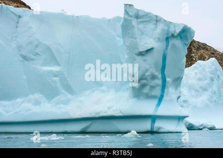 Greenland. Liverpool Land. Warming Island. Iceberg with a vein of frozen meltwater. - Stock Image