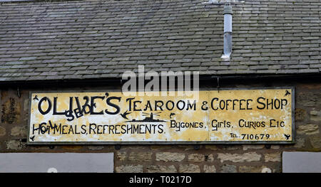 Olive's closed cafe in Amble Amble is a small town on the north east coast of Northumberland in North East England. Closed business, Cw 6657 - Stock Image