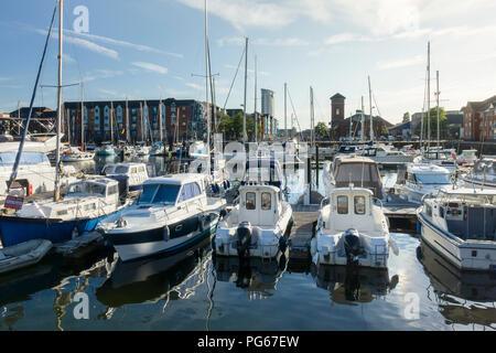 The Tawe Basin Marina and Modern Housing at the Maritime Quarter, Swansea, Wales, UK. - Stock Image