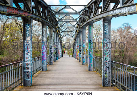 Mariendorfer-Hafen-Steg bridge over the Teltowkanal canal, Berlin-Mariendorf, Berlin, Germany - Stock Image