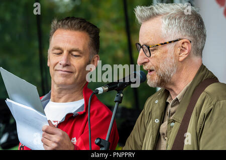 London, UK. 22nd September 2018. The Peoples Walk for Wildlife. Campaigning to save British Wildlife.  A rally in Hyde Park was addressed by Naturalist and broadcaster Chris Packham and his ambassadors. Marchers then walked to Richmond Terrance opposite Downing Street, many playing the sound of birdsongs. Chris Packham addressed the marchers, then took a group of younger campaigners with him to present a petition to 10 Downing Street. Organised by Chris Packham. Credit: Stephen Bell/Alamy Live News. - Stock Image