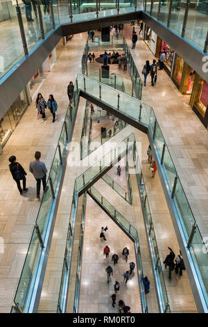 Melbourne shopping mll architecture and surroundings. - Stock Image