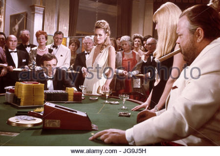 CASINO ROYALE (1967) Pictured:  L-R Peter Sellers, Ursula Andress, Orson Welles. Photo copyright Columbia Pictures. - Stock Image
