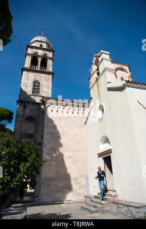 Montenegro, Herzeg-Novi am Eingang der Bucht von Kotor, serbisch-orthodoxes Kloster Savina, Große Kirche aus dem 18.Jhd., davor die kleinere, reich mi - Stock Image