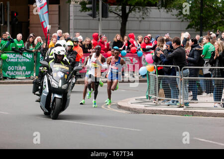 Eliud Kipchoge from Kenya, leading  the men's Elite 2019 London Marathon, which he went onto win in a time of 02:02:37 - Stock Image
