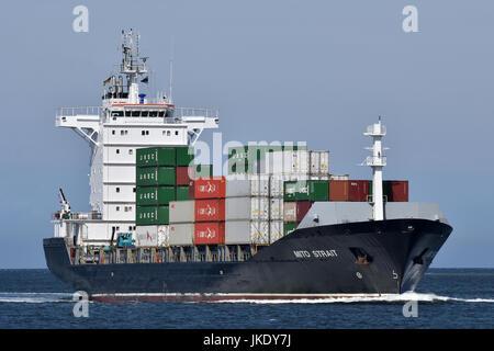 Containerfeeder Mito Strait - Stock Image